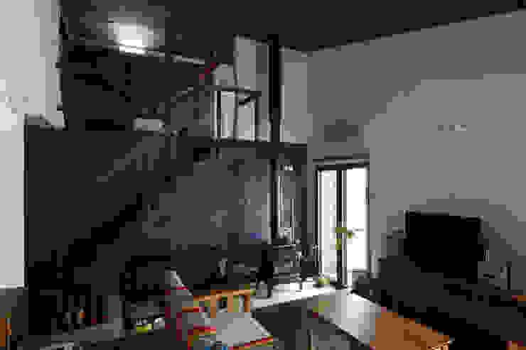 ハウス イン メムロ 北欧デザインの リビング の エム・アンド・オー 北欧