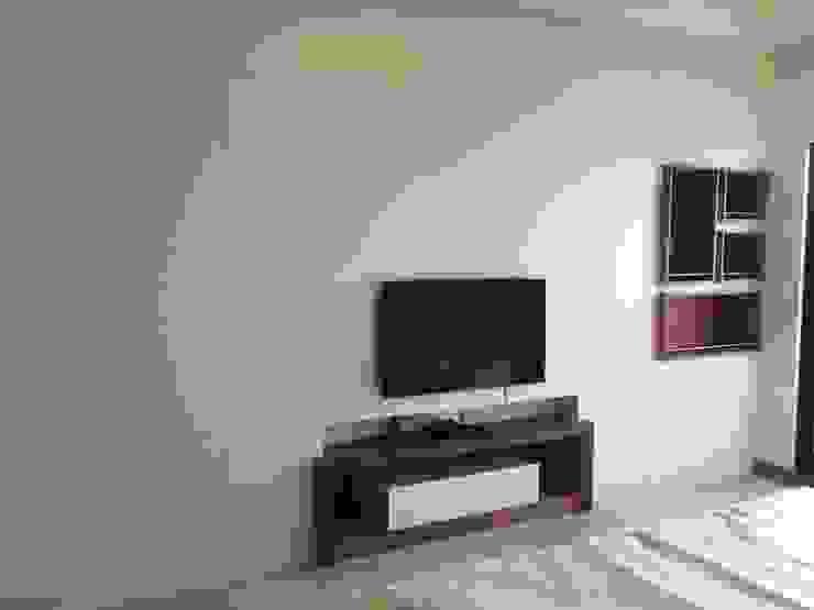 主臥電視牆 根據 houseda 隨意取材風 合板