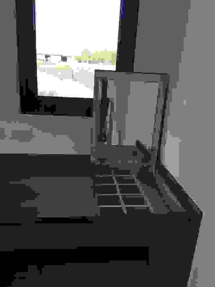 房書桌與化妝桌結合 根據 houseda 隨意取材風 合板