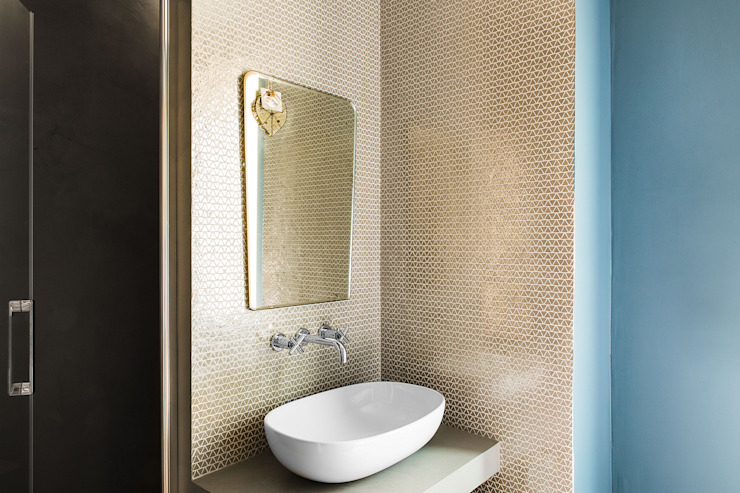 MIROarchitetti Modern style bathrooms