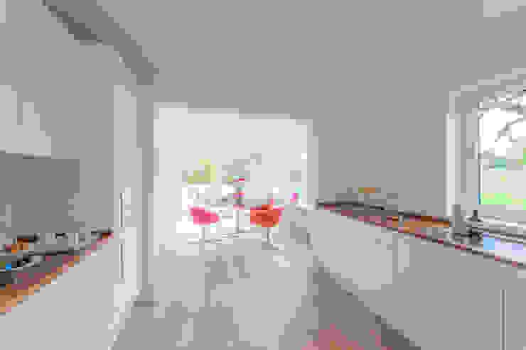 Münchner home staging Agentur GESCHKA Minimalist dining room