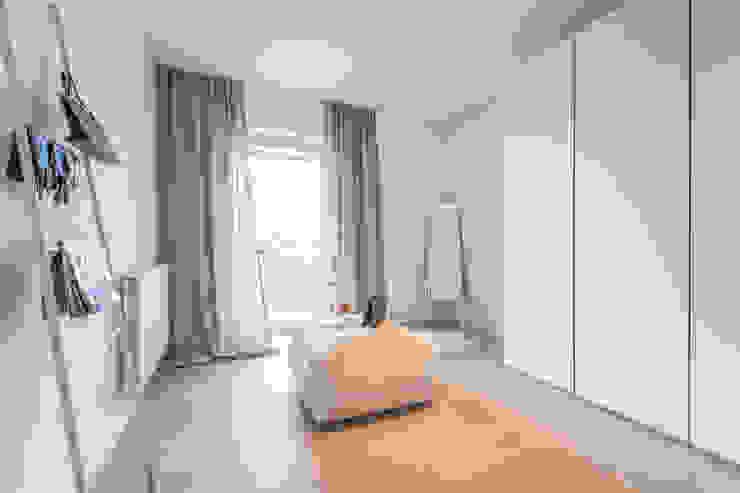 Münchner home staging Agentur GESCHKA Minimalist dressing room