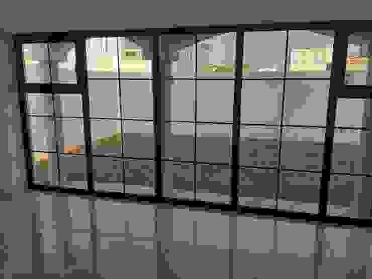 Ventana de PVC Tecnología Alemana, Aislante de Ruido, Aislante de Calor o Frío, Seguras. : Puertas y ventanas de estilo  por FENSELL