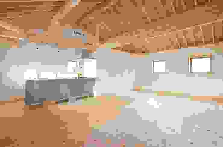 (株)バウハウス Modern living room Solid Wood White