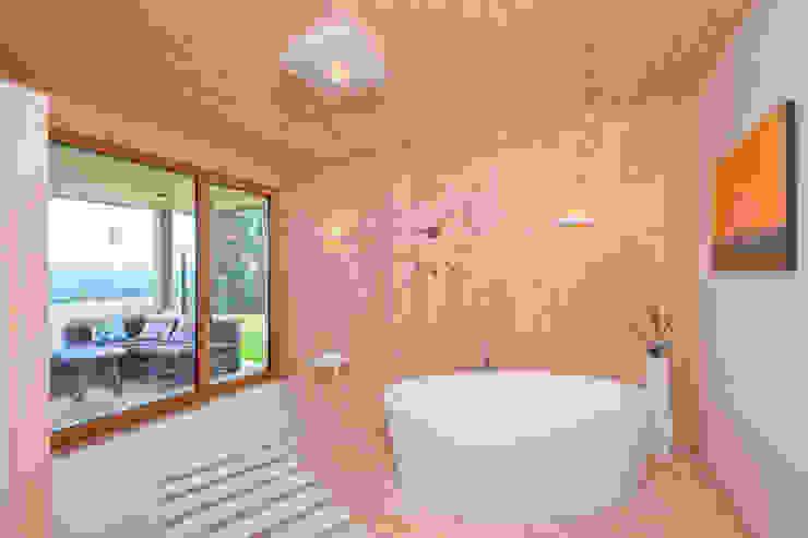 Modern bathroom by BRUNTHALER Massivholzhaus Modern