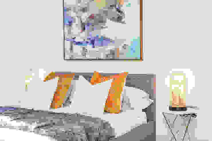 Dulwich Townhouse Bedroom LJ Interiors Kamar tidur kecil