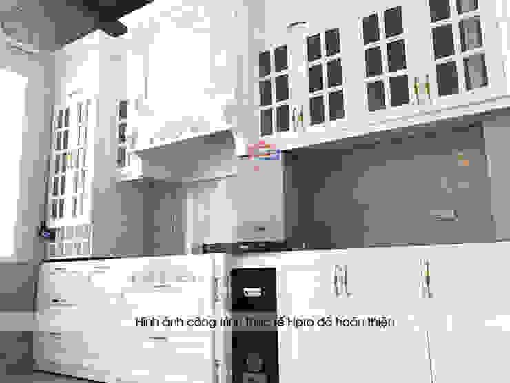 Hình ảnh thực tế bộ tủ bếp tân cổ điển gỗ MDF lõi xanh sơn trắng nhà anh Linh - Thanh Hóa: scandinavian  by Nội thất Hpro, Bắc Âu