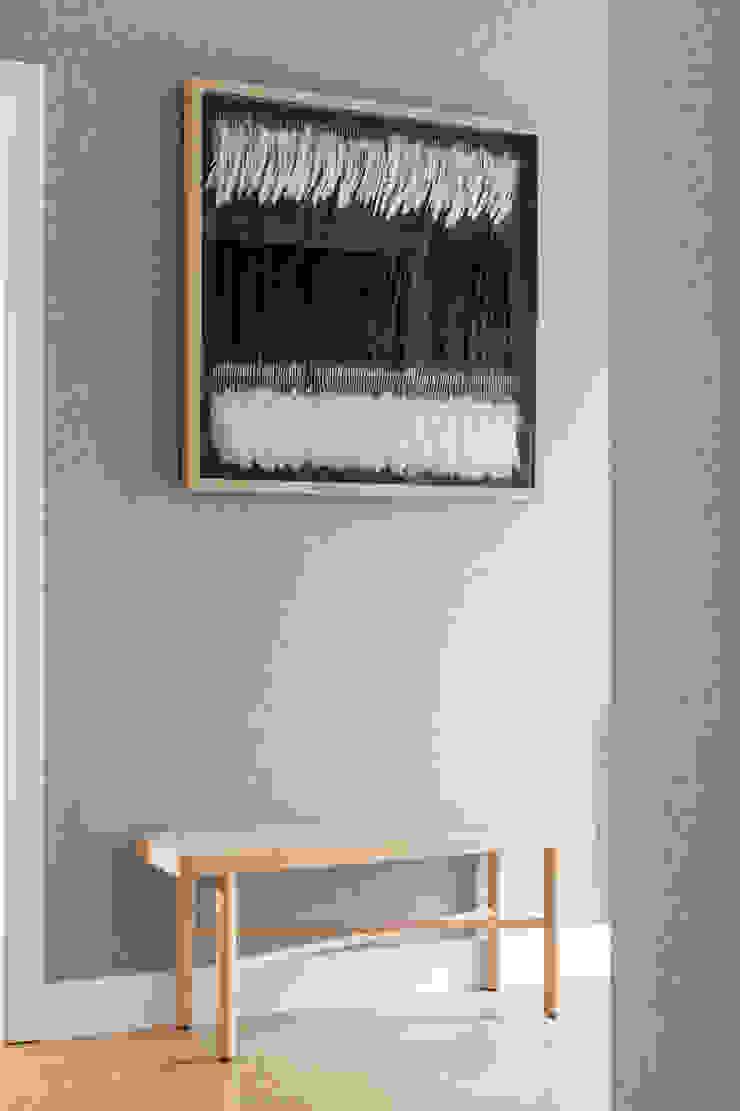 Residential Design by WN Interiors Scandinavian style corridor, hallway& stairs by WN Interiors Scandinavian