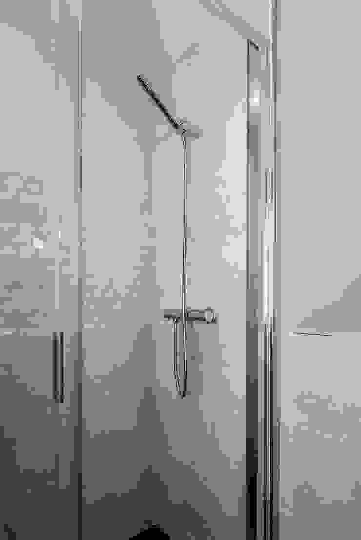 Simetrika Rehabilitación Integral Classic style bathrooms
