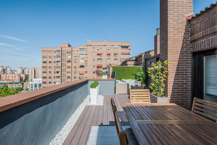 Simetrika Rehabilitación Integral Modern style balcony, porch & terrace