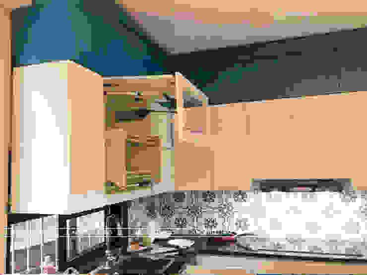 Hình ảnh thực tế bộ tủ bếp gỗ MDF lõi xanh phủ acrylic kết hợp sơn bệt nhà anh Đạt - Đông Anh: scandinavian  by Nội thất Hpro, Bắc Âu
