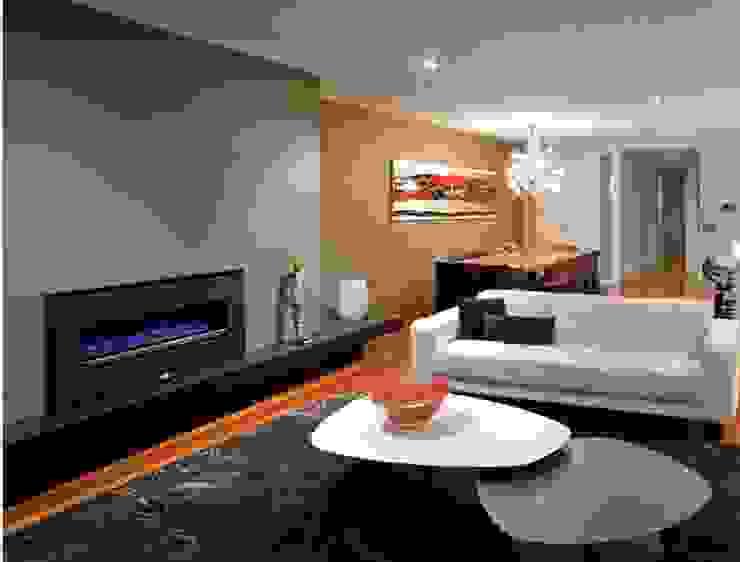 Chimenea para interiores Salas modernas de Grupo Cinco Chimeneas Moderno Metal