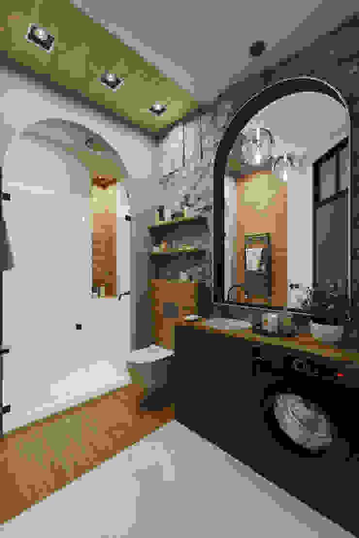 Baños de estilo industrial de Zibellino.Design Industrial