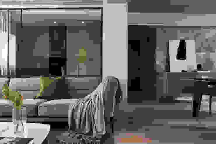 台北文山鄧公館 现代客厅設計點子、靈感 & 圖片 根據 泱禾設計 現代風