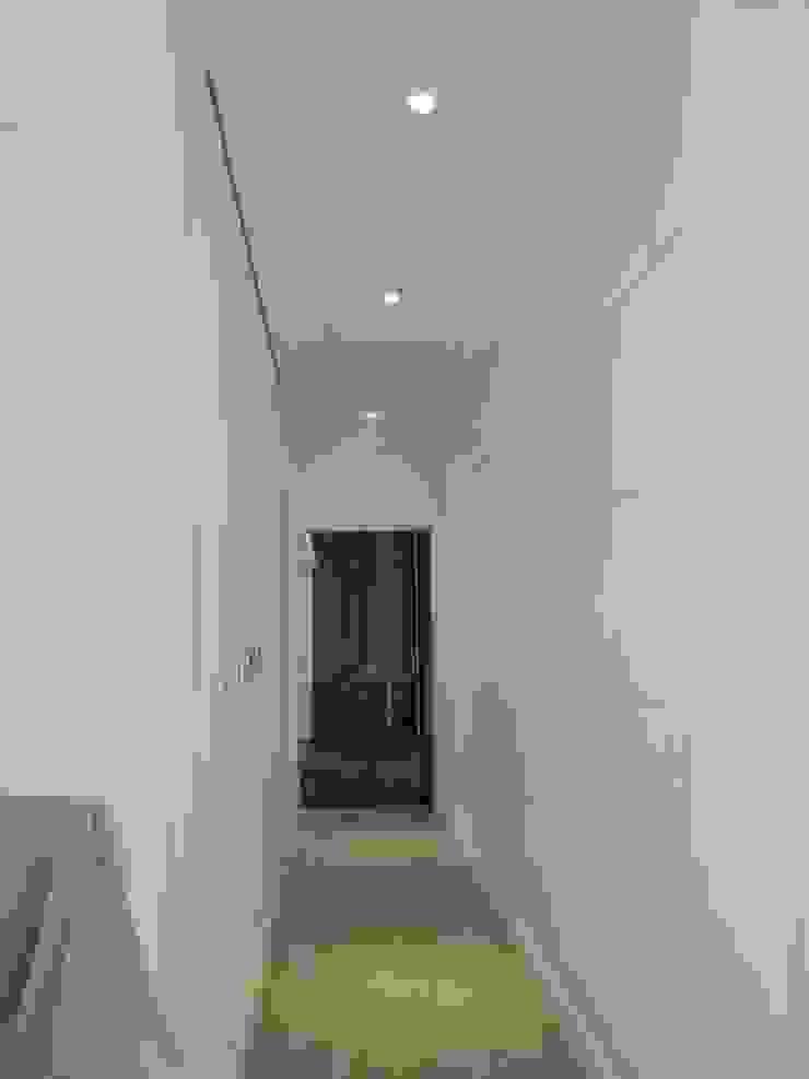 走道 乡村风格的走廊,走廊和楼梯 根據 houseda 鄉村風 合板