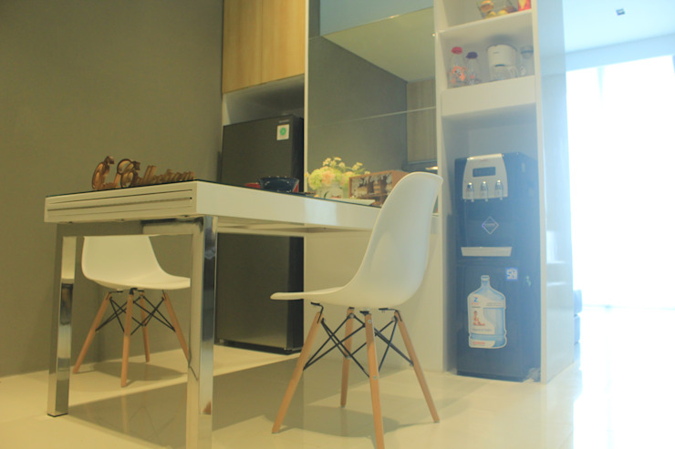 Lexington apartment Ruang Makan Modern Oleh POWL Studio Modern