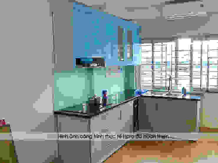Hình ảnh thực tế bộ tủ bếp acrylic nhà cô Tâm - Chùa Bộc: hiện đại  by Nội thất Hpro, Hiện đại