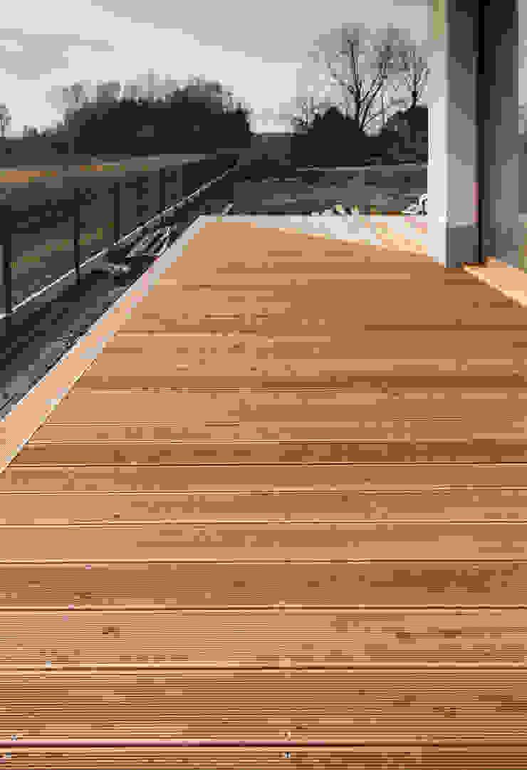 Bednarski - Usługi Ogólnobudowlane Balcon, Veranda & Terrasse modernes Bois