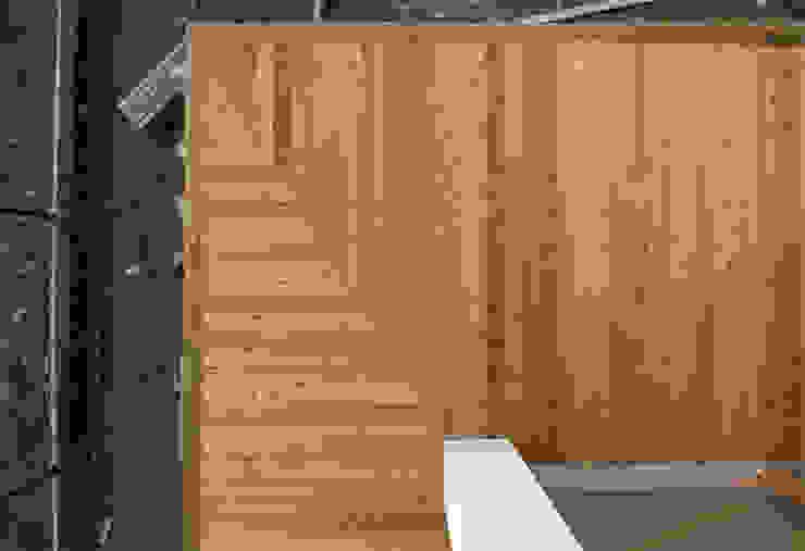 Kompletna realizacja - modrzewiowy taras - Jaworzno Nowoczesny balkon, taras i weranda od Bednarski - Usługi Ogólnobudowlane Nowoczesny Drewno O efekcie drewna