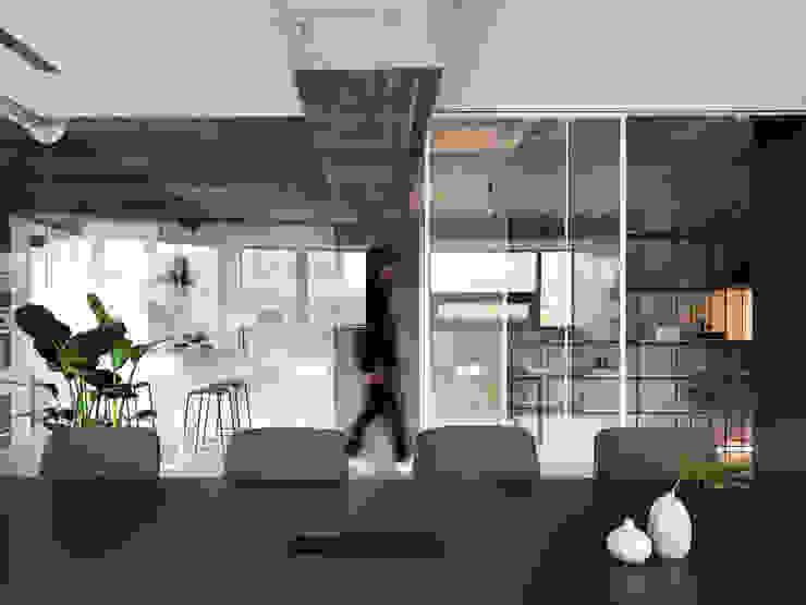 MEETING ROOM 根據 物杰設計 工業風 玻璃