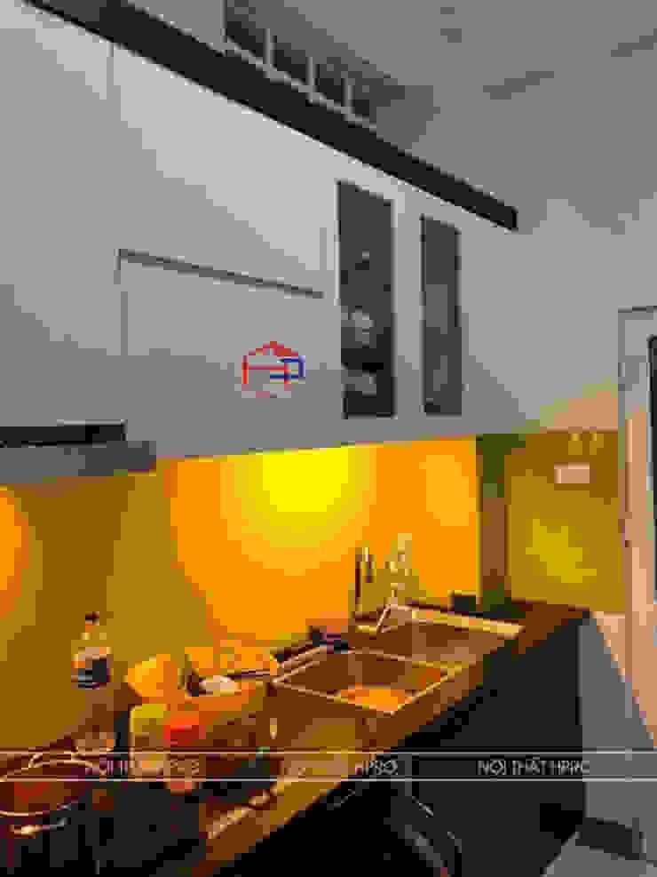 Hình ảnh thực tế bộ tủ bếp laminate nhà chị Vân - Hoài Đức: hiện đại  by Nội thất Hpro, Hiện đại