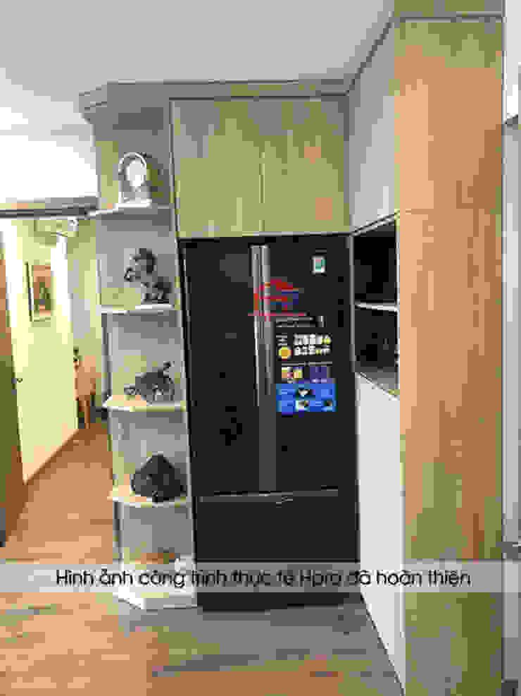Hình ảnh thực tế tủ trang trí gỗ melamine nhà anh Long - Nguyễn Đức Cảnh: hiện đại  by Nội thất Hpro, Hiện đại