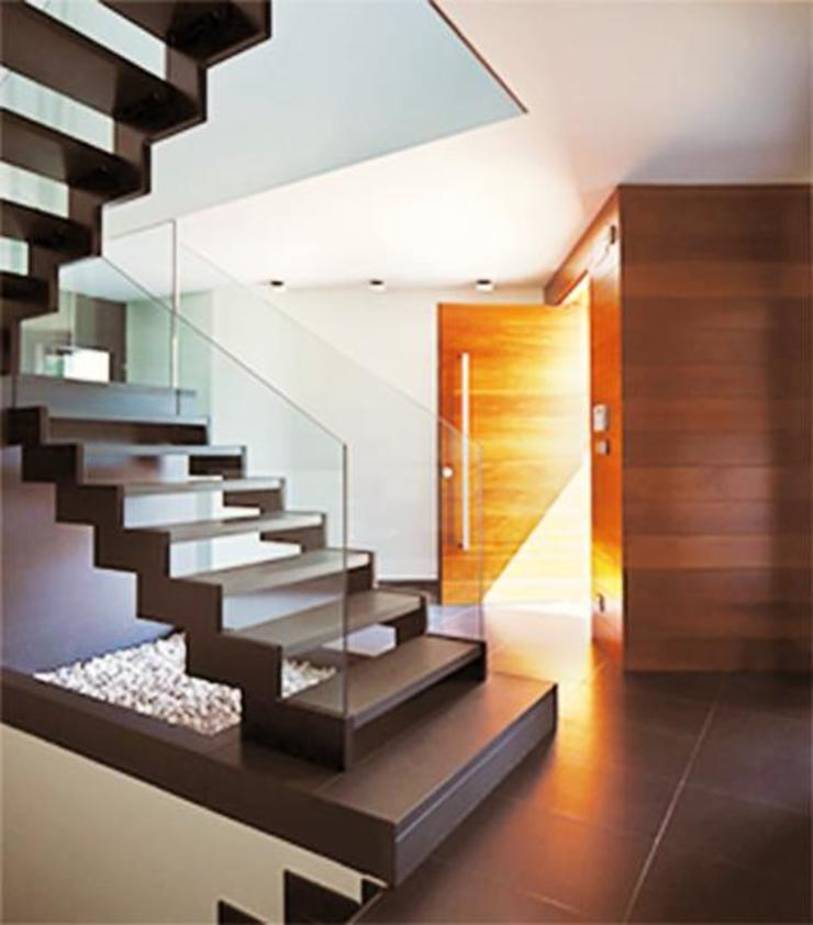 Acceso a la vivienda. arQmonia estudio, Arquitectos de interior, Asturias Escaleras