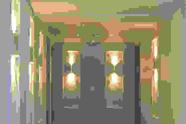CONSTRUCTORA PROYARCONST Pasillos, vestíbulos y escaleras de estilo moderno de CARDONA & ACEVEDO ARQUITECTOS Moderno