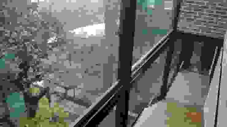 CASA ESTILO INDUSTRIAL BOSQUE TZALAM: Escaleras de estilo  por ARQ. FRANCISCO GODINEZ ALVA,
