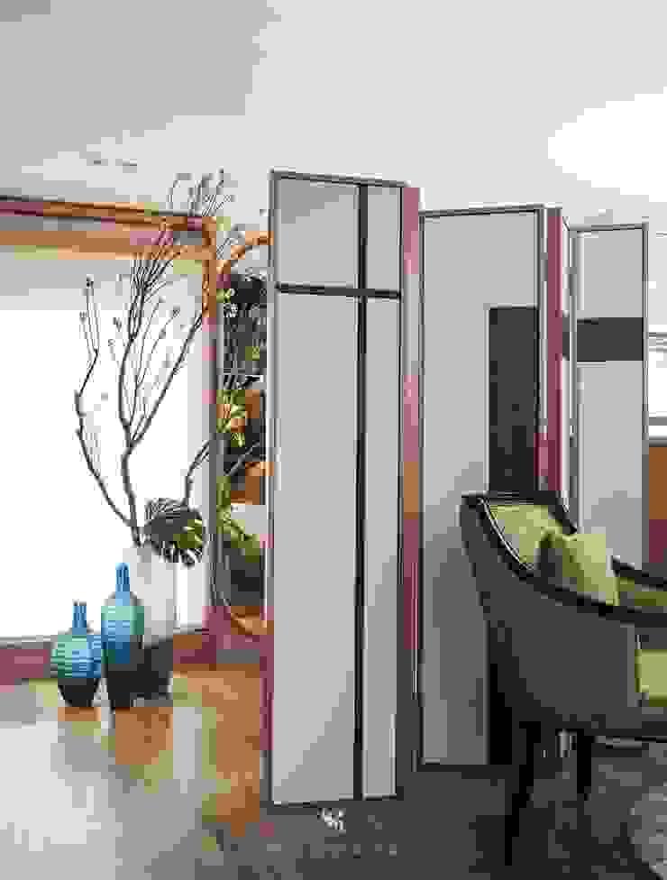 富壁寶鼎珠寶店|FBBD Jeweler 理絲室內設計有限公司 Ris Interior Design Co., Ltd. Office spaces & stores Copper/Bronze/Brass White