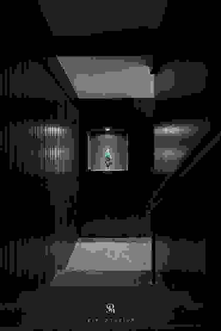 富壁寶鼎珠寶店|FBBD Jeweler 理絲室內設計有限公司 Ris Interior Design Co., Ltd. Office spaces & stores Copper/Bronze/Brass Black