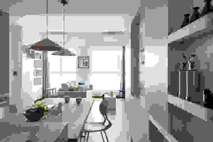 Scandinavian style living room by 寓子設計 Scandinavian