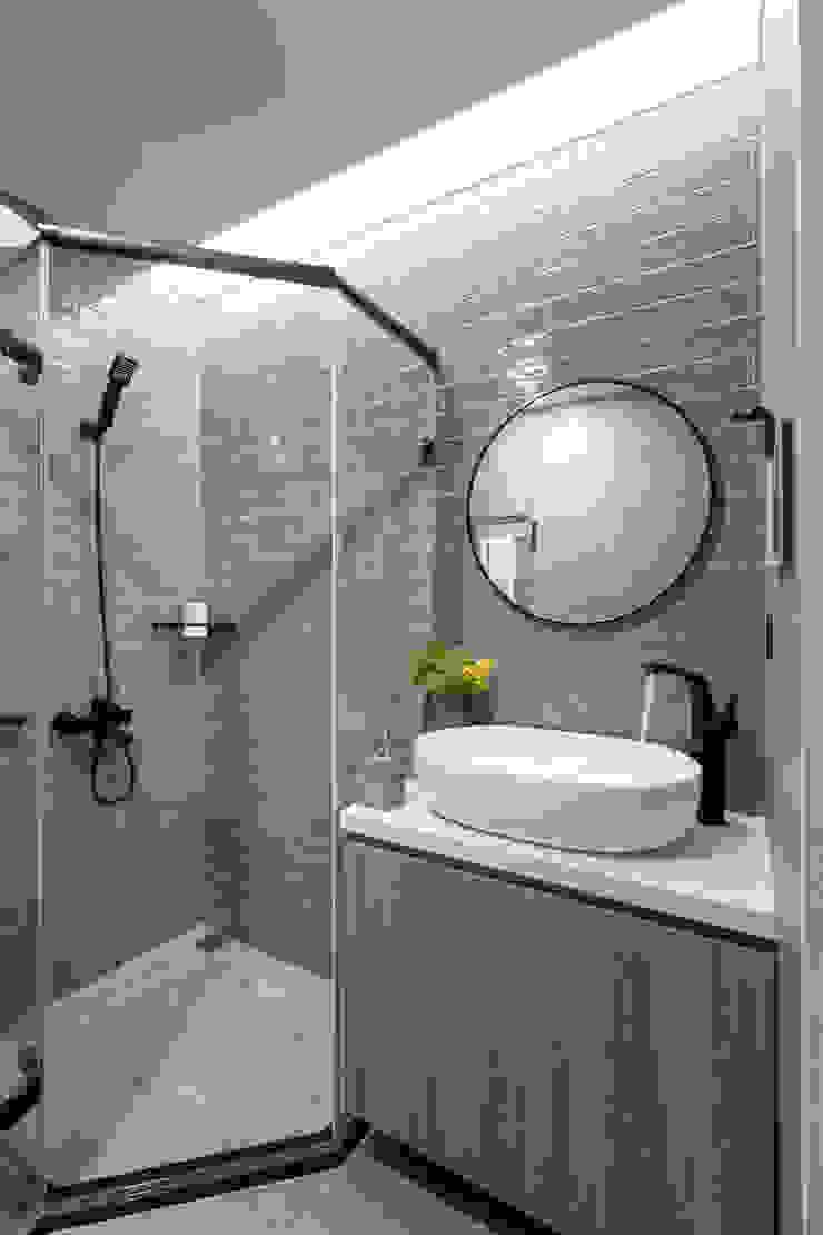 Scandinavian style bathroom by 寓子設計 Scandinavian