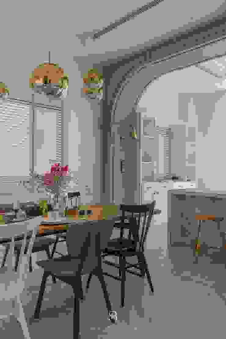 紛染.綿綿|Trochee of Tints 理絲室內設計有限公司 Ris Interior Design Co., Ltd. 廚房 合板 Blue