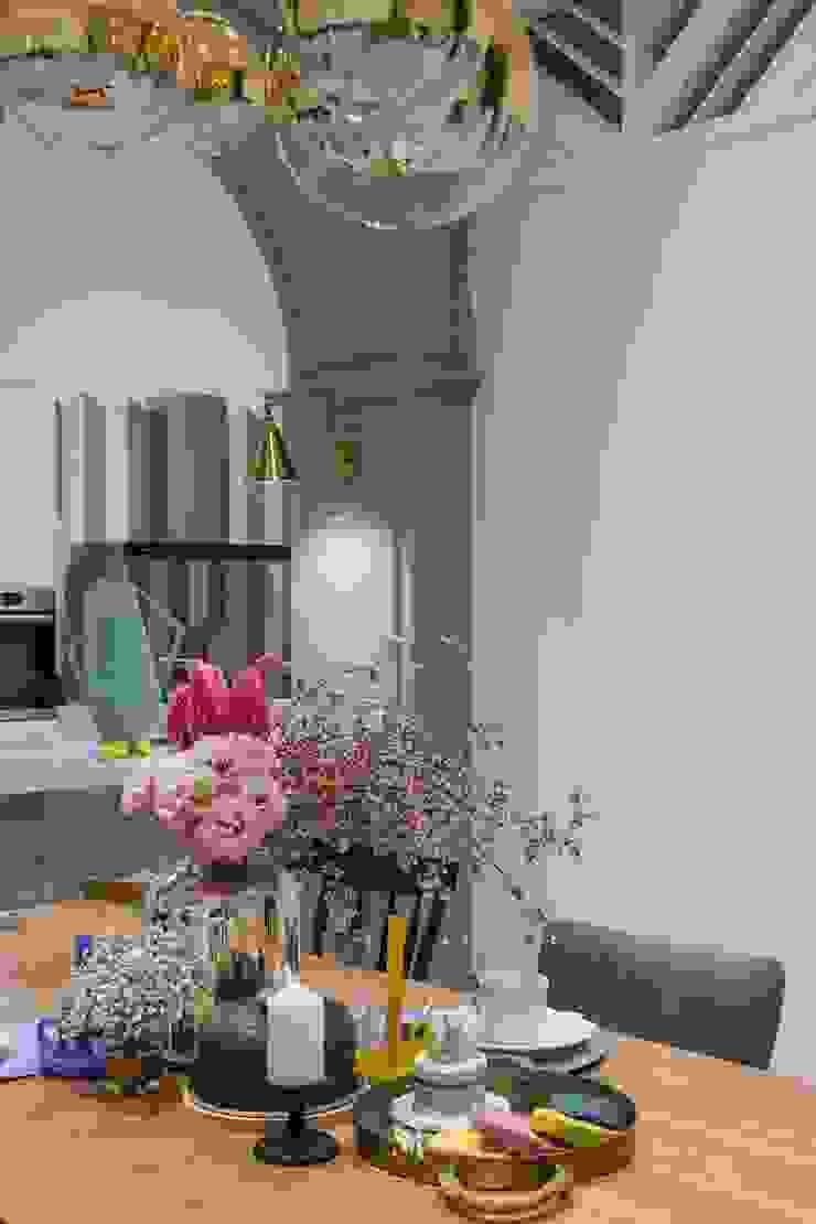 紛染.綿綿|Trochee of Tints 理絲室內設計有限公司 Ris Interior Design Co., Ltd. 小廚房 木頭 Blue