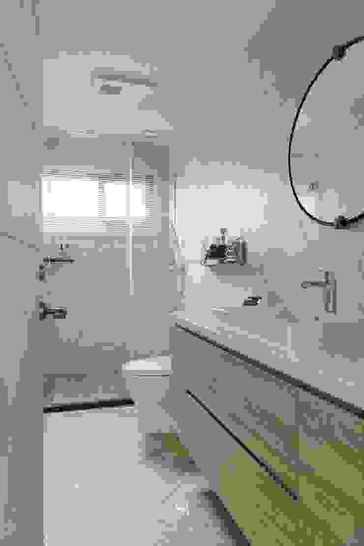 紛染.綿綿|Trochee of Tints 理絲室內設計有限公司 Ris Interior Design Co., Ltd. 浴室 磚塊 White