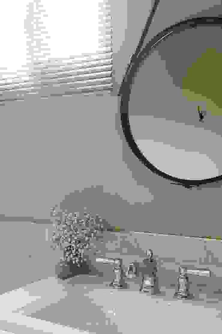 紛染.綿綿|Trochee of Tints 理絲室內設計有限公司 Ris Interior Design Co., Ltd. 浴室 銅/青銅/黃銅 Grey