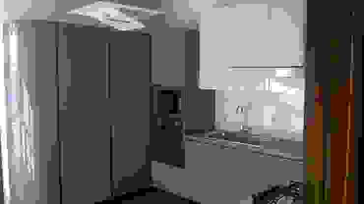 L&M design di Marelli Cinzia Built-in kitchens MDF Grey
