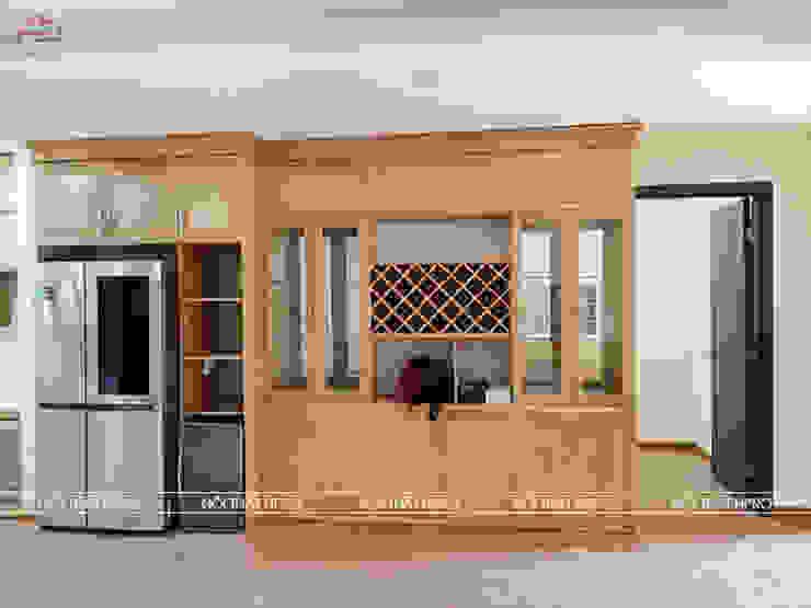 Hình ảnh thực tế tủ rượu gỗ sồi nga nhà cô Thúy - Láng Hạ: hiện đại  by Nội thất Hpro, Hiện đại