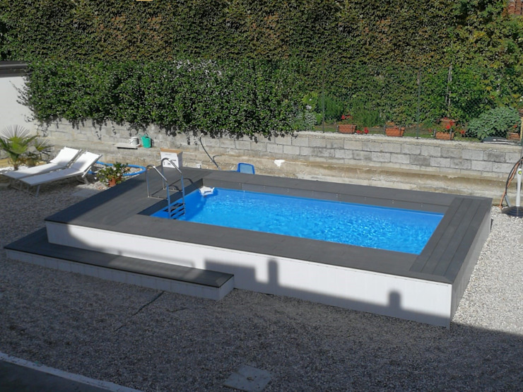 Piscina finita: Piscina in stile  di Aquazzura Piscine, Moderno