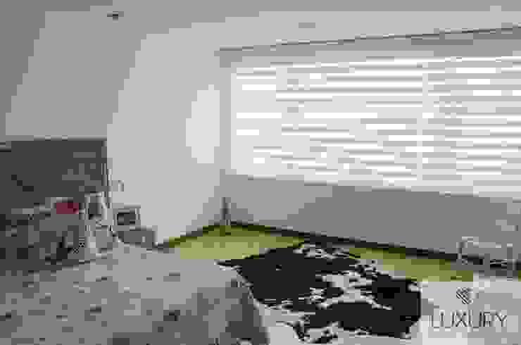Sheer Elegance en color Blanco de Luxury HS SAS Moderno Textil Ámbar/Dorado