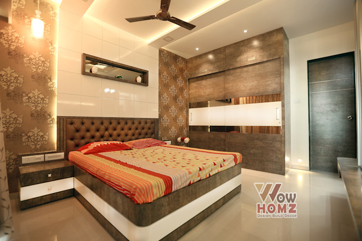 Master Bedroom :  Small bedroom by Wow Homz,