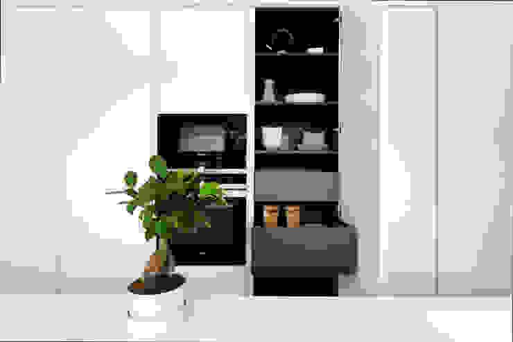 Modern kitchen by ALFONSI ARCHITETTURA Modern