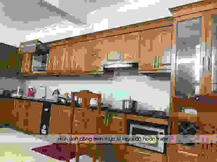 Hình ảnh thực tế bộ tủ bếp gỗ sồi mỹ tự nhiên sang trọng nhà chị Thập - Hải Phòng: hiện đại  by Nội thất Hpro, Hiện đại