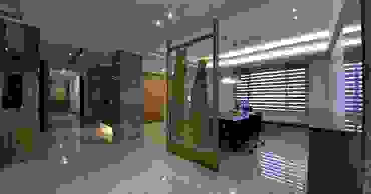 от 台中室內建築師|利程室內外裝飾 LICHENG Азиатский