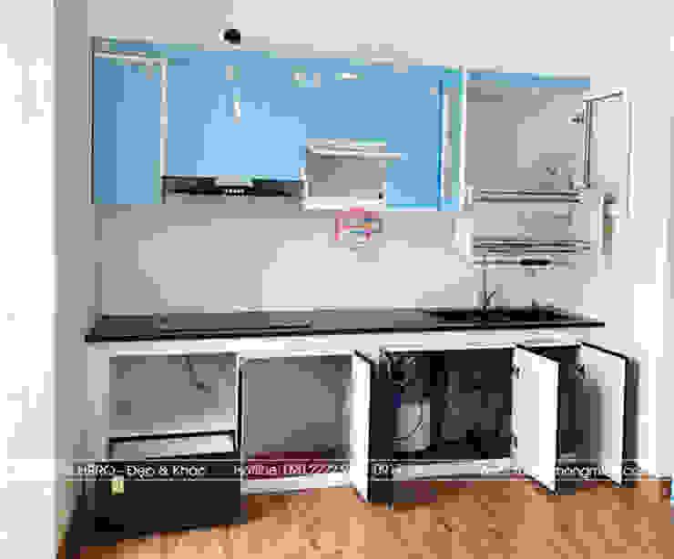 Hình ảnh thực tế bộ tủ bếp acrylic hiện đại nhà chị Hướng - Vĩnh Phúc: hiện đại  by Nội thất Hpro, Hiện đại