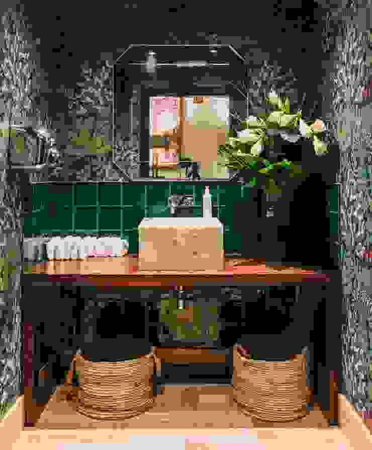 REFORMA DE BAÑO EN RESTAURANTE GREENHOUSE ALTBATH COMPANY, SL Hoteles de estilo tropical Madera Verde