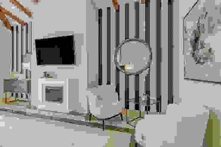 Paraíso Alto: Dormitorios de estilo  de RH Design, Moderno