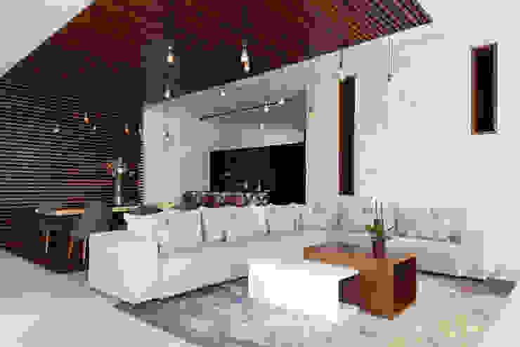 Daniel Cota Arquitectura   Despacho de arquitectos   Cancún Modern living room Wood Wood effect