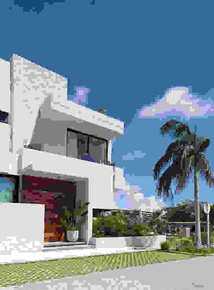 Daniel Cota Arquitectura   Despacho de arquitectos   Cancún Single family home Concrete White